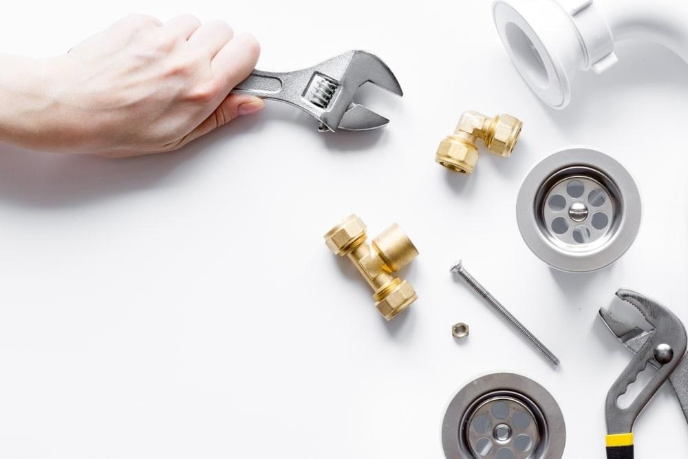 ¿Cómo cambiar la llave de paso de agua?
